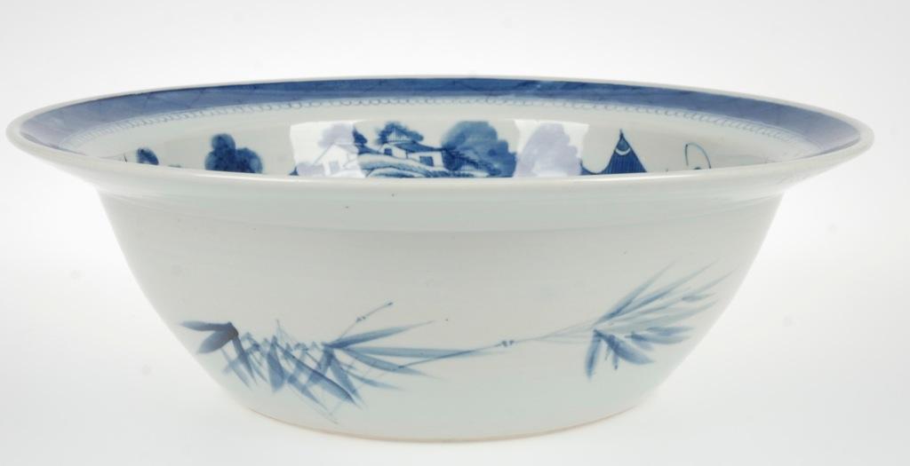 Vintage large chinese blue white porcelain centerpiece